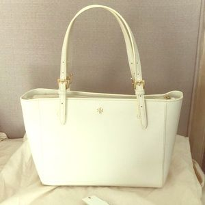 Mint condition Tory Burch York tote